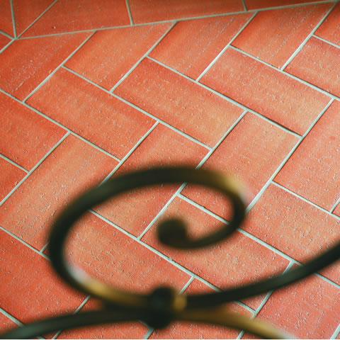 Pezzi Speciali In Ceramica.Ceramiche Dal Look Piu Essenziale Al Piu Sofisticato